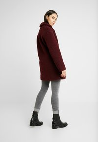 ONLY Tall - ONLALMA COAT - Abrigo - windsor wine - 2
