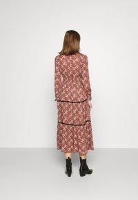 Vero Moda - VMBELLA TIE DRESS - Vestido informal - marsala/bella - 2