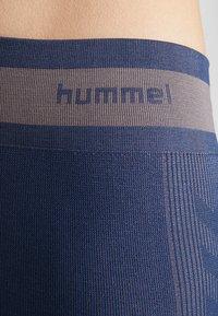 Hummel - SEAMLESS - Trikoot - black iris - 5