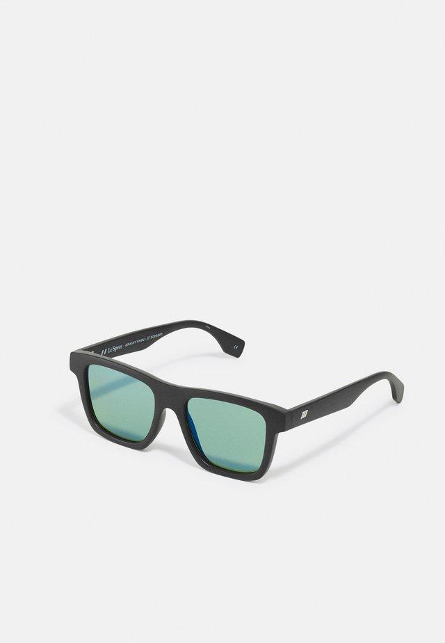 SUSTAIN GRASSY KNOLL - Sluneční brýle - black grass