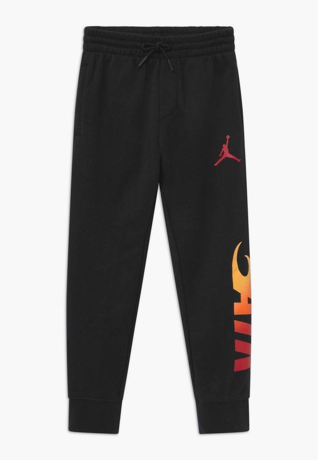 JUMPMAN FIRE  - Tracksuit bottoms - black