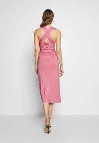 Lost Ink - CROSS FRONT TIE WAIST DRESS - Jerseykjole - pink - 2