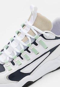 ARKK Copenhagen - APAZE F-PRO 90 - Baskets basses - white/silver/birch - 5