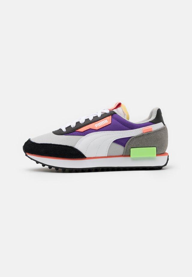 FUTURE RIDER PLAY ON UNISEX - Zapatillas - grrey violet/white/ultra violet