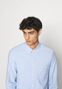 ARKET - Shirt - blue light - 3