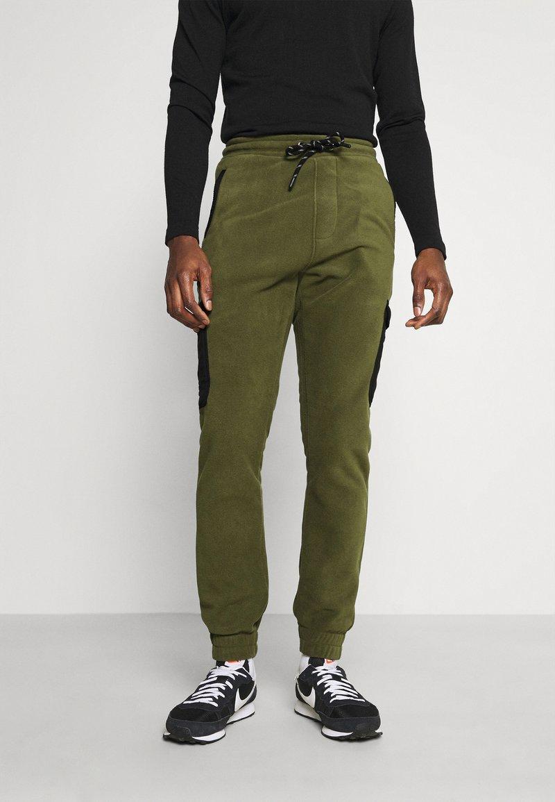 Solid - CARGO - Pantaloni sportivi - ivy green
