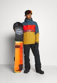 Brunotti - TRISTIN MENS JACKET - Snowboardová bunda - camel brown - 1