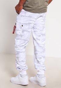 Alpha Industries - FIT PANT - Jogginghose - white - 2