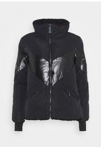 Guess - ORIETTA REVERSIBLE JACKET - Winter jacket - jet black - 5