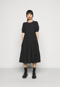 New Look Petite - TEXTURE PUFF SLEEVE TIER MIDI - Maxi šaty - black - 0