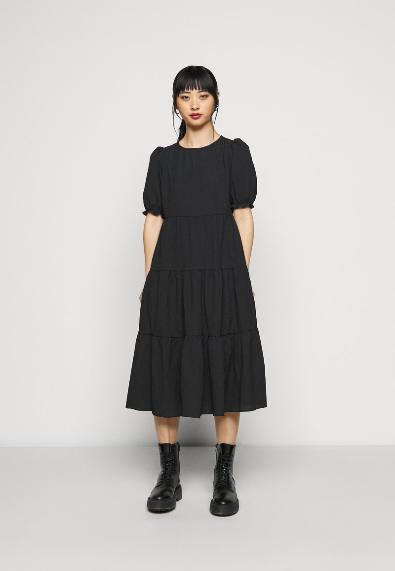 New Look Petite - TEXTURE PUFF SLEEVE TIER MIDI - Maxi šaty - black
