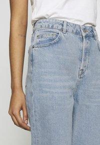 Selected Femme - MOM - Straight leg jeans - light blue denim - 3