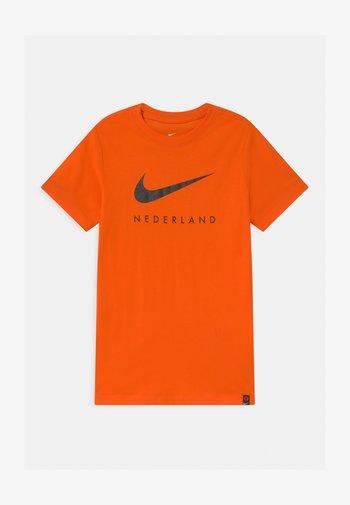 NIEDERLANDE KNVB GROUND - National team wear - safety orange