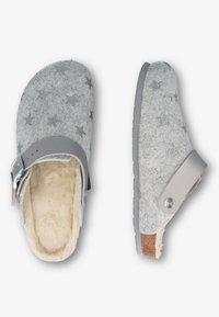 Genuins - Slippers - silber - 1