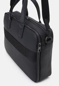 Calvin Klein - LAPTOP BAG - Taška na laptop - black - 3