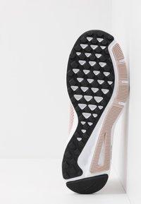 Nike Performance - QUEST 2 - Chaussures de running neutres - stone mauve/metallic red bronze/black - 4