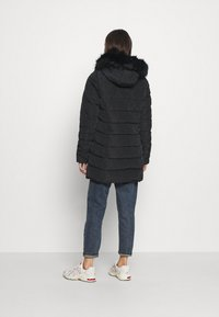 ONLY - ONLNEWMINEA QUILTED HOOD COAT - Parka - black - 2