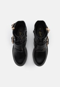 New Look - BUSY LACE UP CHUNKY - Cowboystøvletter - black - 5