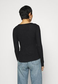 Abercrombie & Fitch - COZY HENLEY - Jumper - black - 2