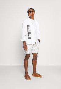 Key Largo - ANTONIO - Pantaloni sportivi - white - 1