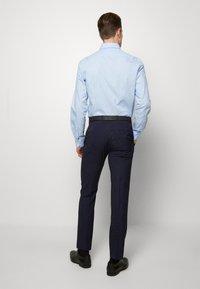 Ben Sherman Tailoring - MIDNIGHT FLECK SUIT - Kostym - navy - 4
