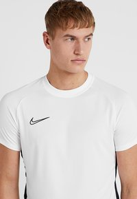 Nike Performance - DRY ACADEMY - Print T-shirt - white/black - 3