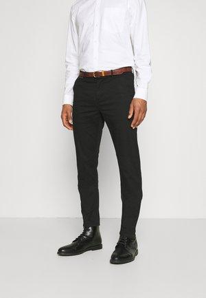 NEW BELTED  - Chino kalhoty - black
