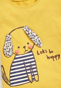 Next - DOG - Print T-shirt - ochre - 2