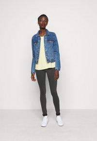 Noisy May Tall - NMCALLIE - Jeans Skinny Fit - dark grey denim - 1