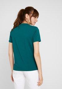 adidas Originals - ADICOLOR TREFOIL GRAPHIC TEE - Print T-shirt - noble green - 2