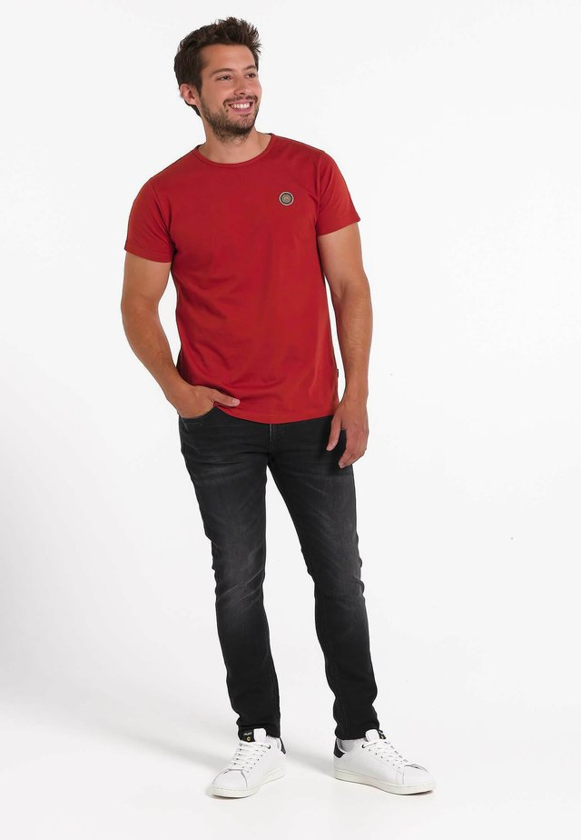 BOREAL POTTERS CLAY  - T-shirt imprimé - red