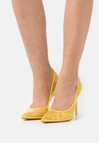 BEBO - MILENA - Classic heels - yellow - 0