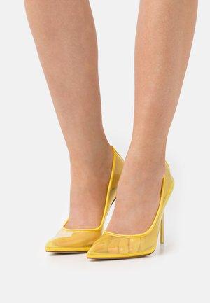 MILENA - Czółenka - yellow