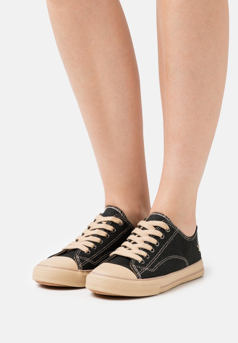 Grand Step Shoes - MARLEY CLASSIC - Trainers - black