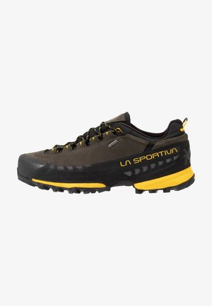 TX5 LOW GTX - Obuwie hikingowe - carbon/yellow