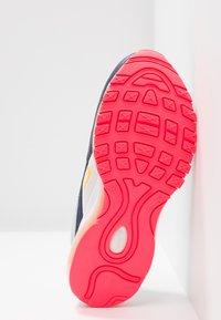 Nike Sportswear - AIR MAX 97 - Sneakers laag - pure platinum/laser orange/midnight navy/racer pink/summit white - 4