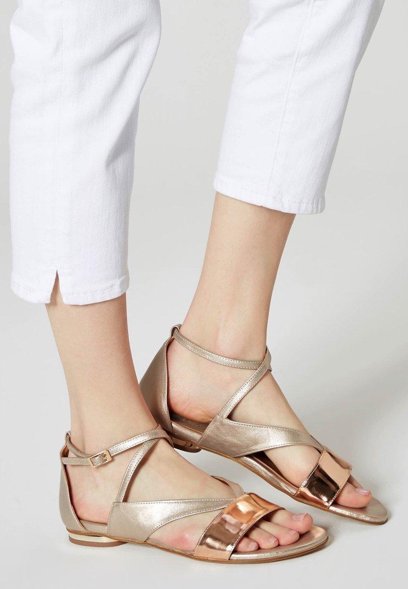 IZIA - Sandals - gold