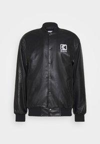 Karl Kani - OG COLLEGE JACKET UNISEX - Faux leather jacket - black/yellow - 0