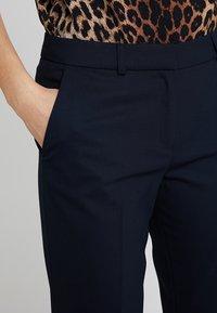 s.Oliver BLACK LABEL - LANG - Trousers - true blue - 3