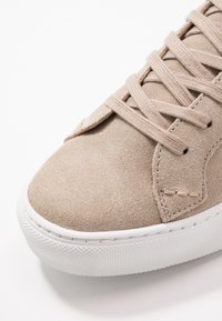 Shoe The Bear - HOLMES - High-top trainers - sand - 5
