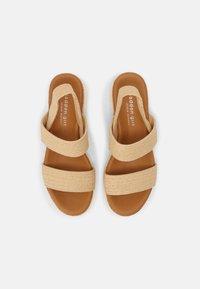 Madden Girl - ESSIE - Sandals - natural - 4