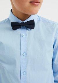 WE Fashion - JONGENS - Camicia - light blue - 2