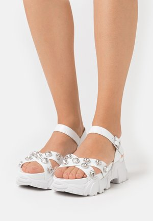 PEDUL CRISS CROSS STONE - Platform sandals - white