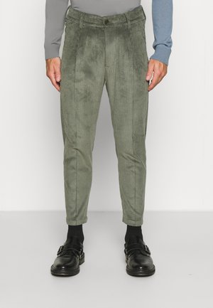 CHASY - Pantaloni - green
