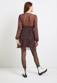 Replay - DRESSES - Hverdagskjoler - red/black - 3