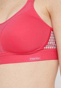 triaction by Triumph - EXTREME LITE - Sportovní podprsenky se silnou oporou - pink lemonade - 6