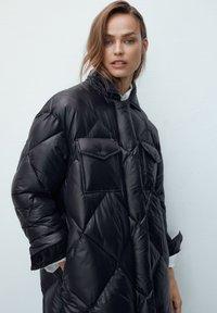 Massimo Dutti - Down coat - black - 0