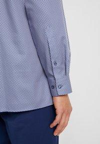 OLYMP Luxor - OLYMP LUXOR MODERN FIT - Shirt - blue/red - 4