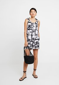 Q/S designed by - OVERALL KURZ - Jumpsuit - black/white - 1