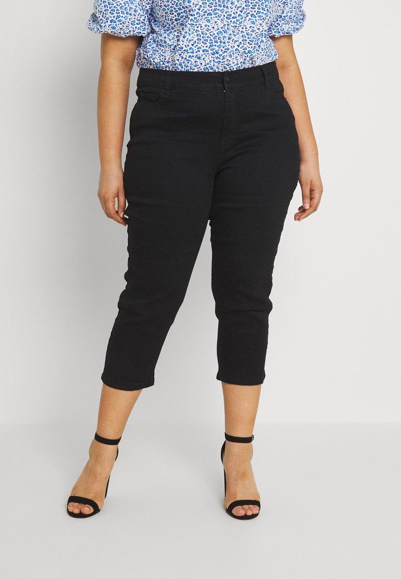 CAPSULE by Simply Be - CROP - Shorts - black